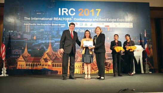 cambodian-woman-awarded-expert-certificate-by-international-real-estate-group